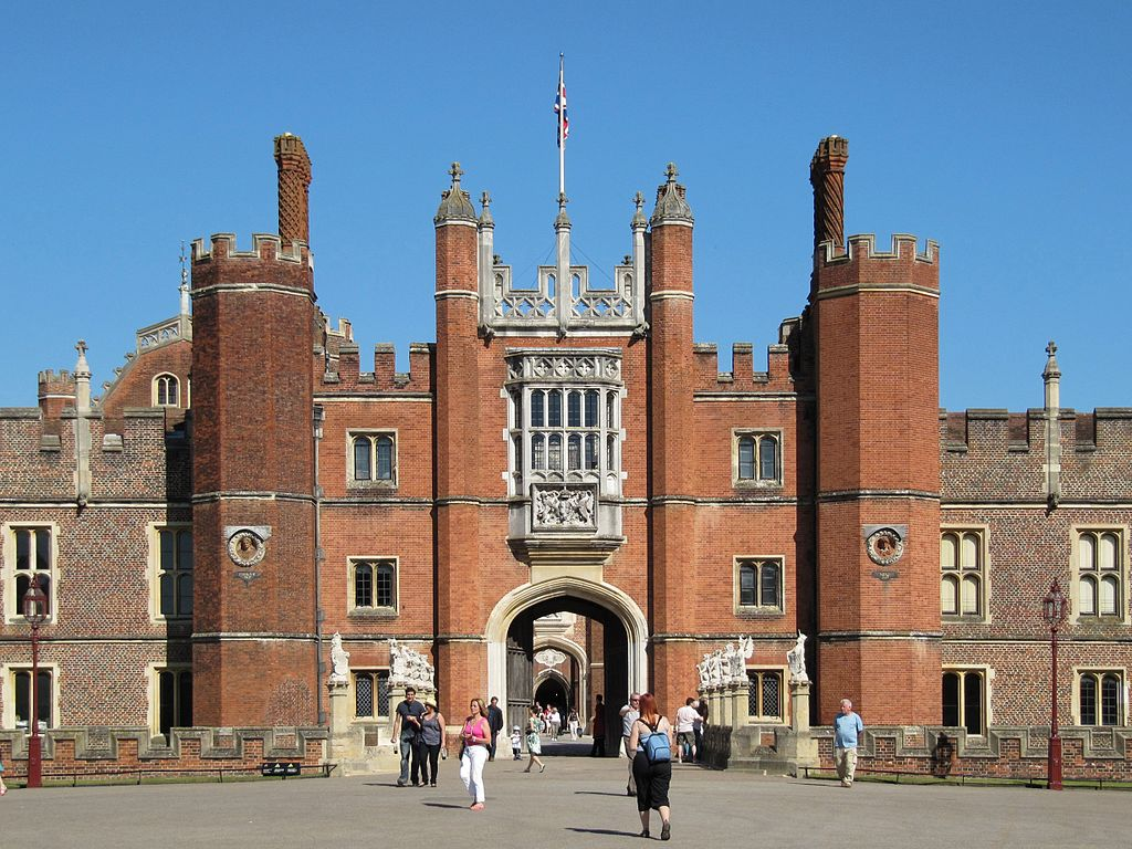 Hampton Court Wikimedia Creative Commons